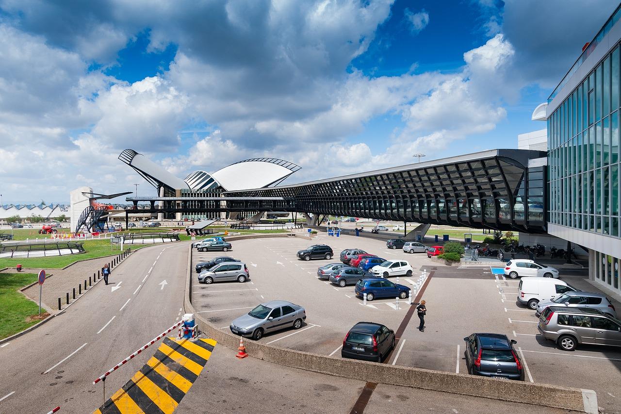 Parkeren bij het vliegveld met tolbadge